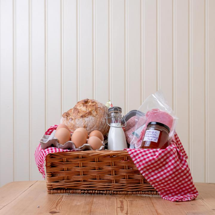 Breakfast hamper Knapp House Lodges in Devon