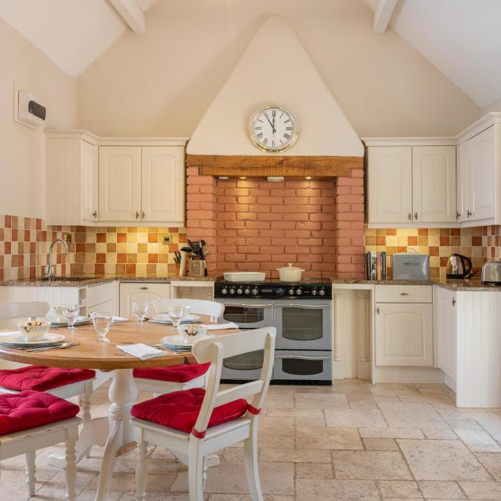 Kitchen dining area at Knapp House Self Catering Lodges in Devon